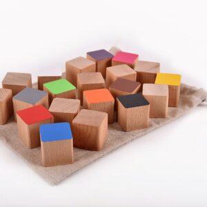 Dřevěné kostky barevné 20 kusů včetně látkového pytlíku