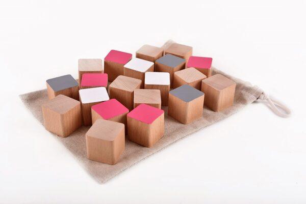 Dřevěné kostky růžové 20 kusů včetně látkového pytlíku